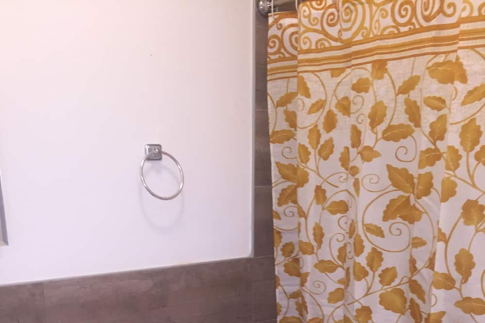 Presidential Room, 2 Queen Beds - Bathroom