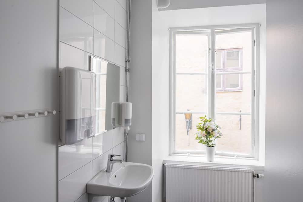 Economy-Einzelzimmer, Gemeinschaftsbad - Badezimmer