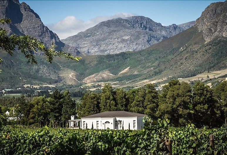 Lily Pond House at Le Lude, Franschhoek, Hotelli territoorium