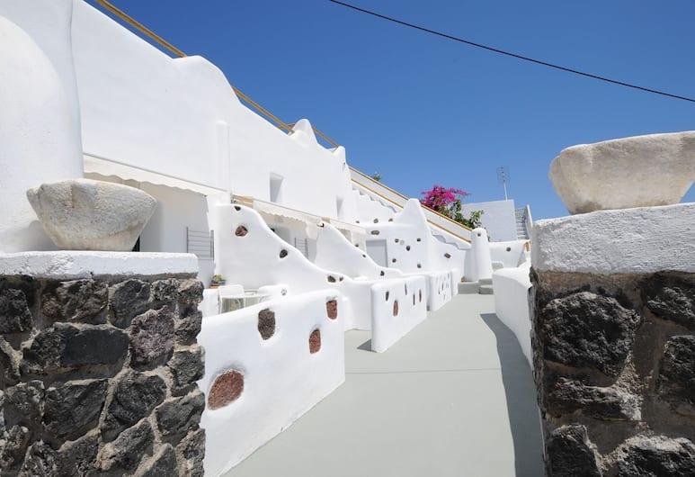 Manias Fira Residences, Santorini