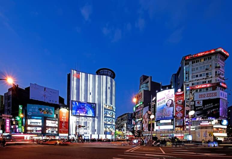 明日大飯店, 台北市