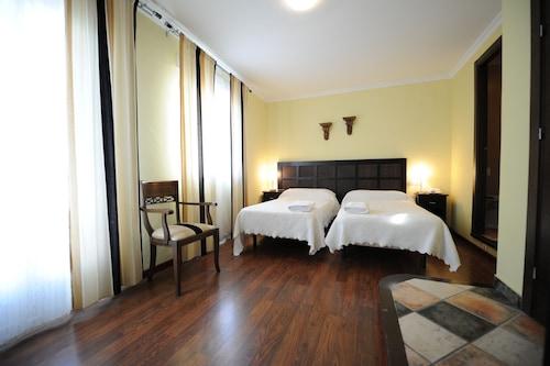 蒙堤亞羅馬酒店/