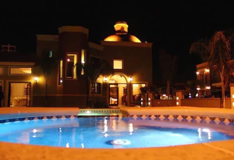 ホテル フィエスタ ナボホア, ナボホア, 屋外プール