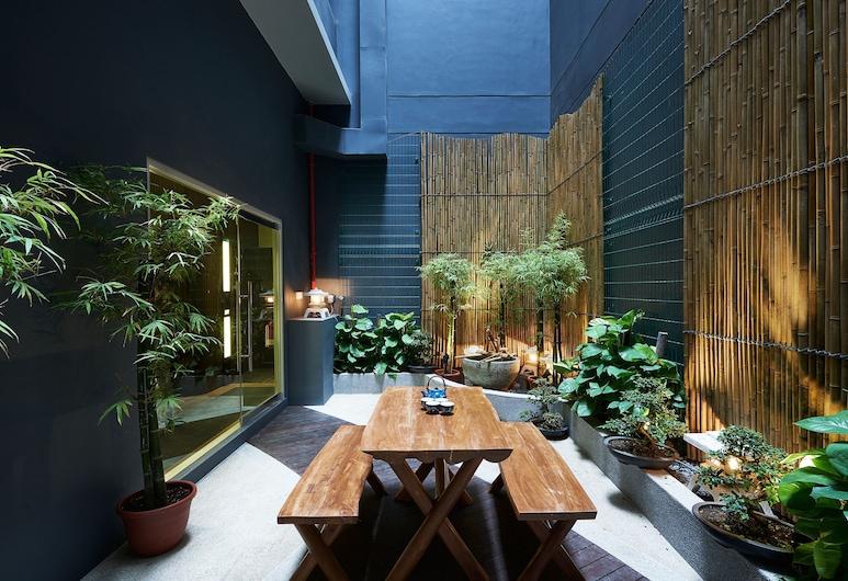 Hotel Bencoolen@Hong Kong Street, Singapore, Terrace/Patio