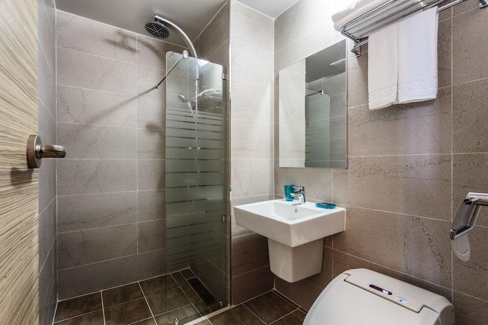 Couple Room or Emerald Room (Random Assign) - Badezimmer