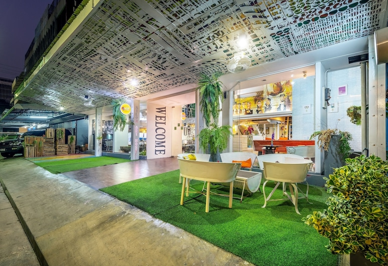Silom Art Hostel, Bangkok, Siddeområde i lobby
