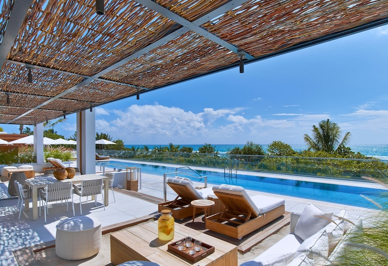The Retreat Collection at 1 Hotel & Homes South Beach, Miami Beach, Pool
