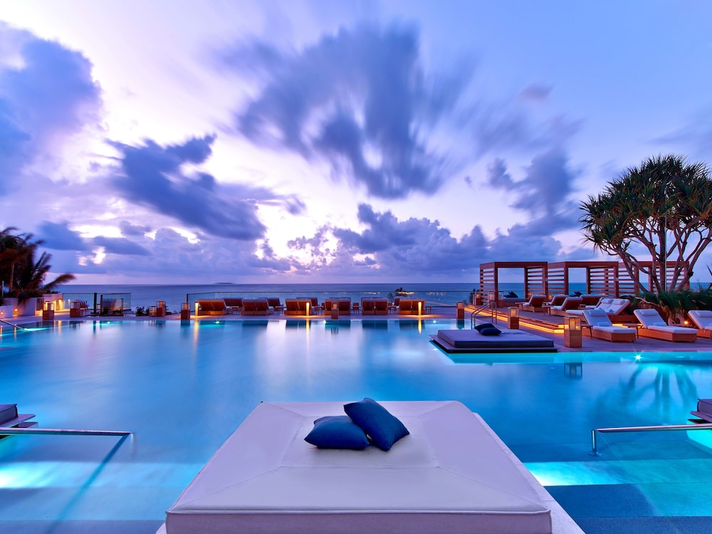 The Retreat Collection At 1 Hotel South Beach Miami Infinity Pool