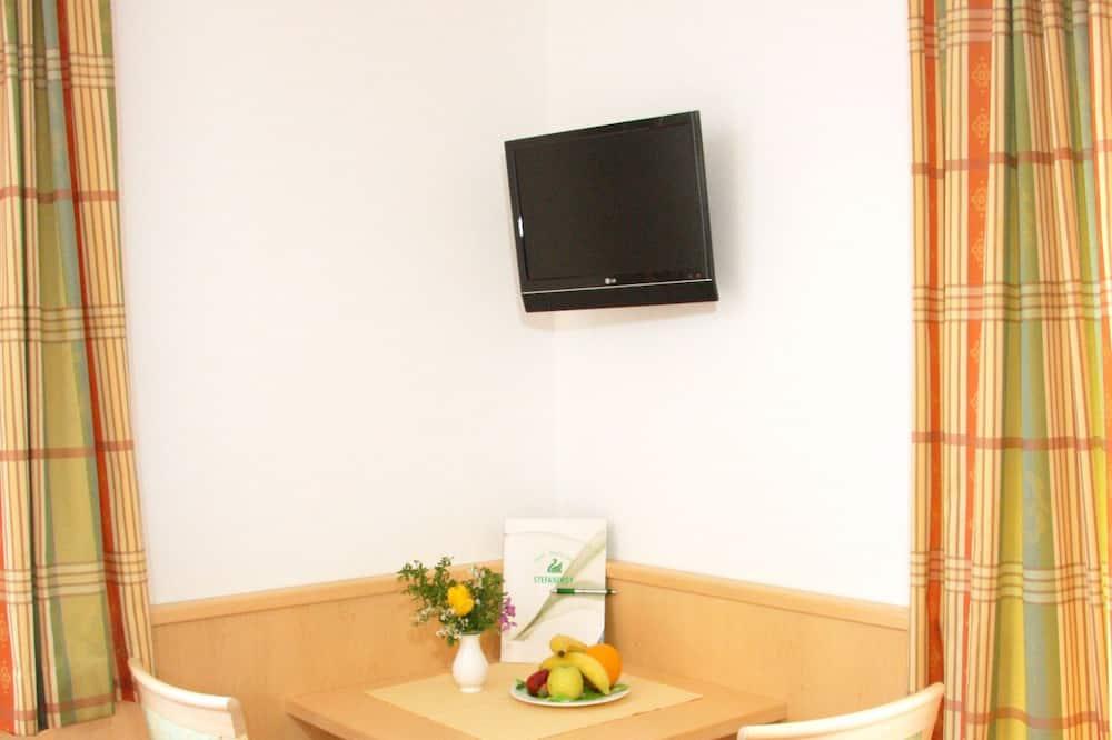 Junior-Doppelzimmer, Balkon, Bergblick - Wohnbereich