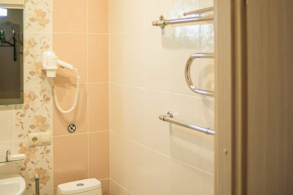 Quarto Duplo Empresarial - Casa de banho