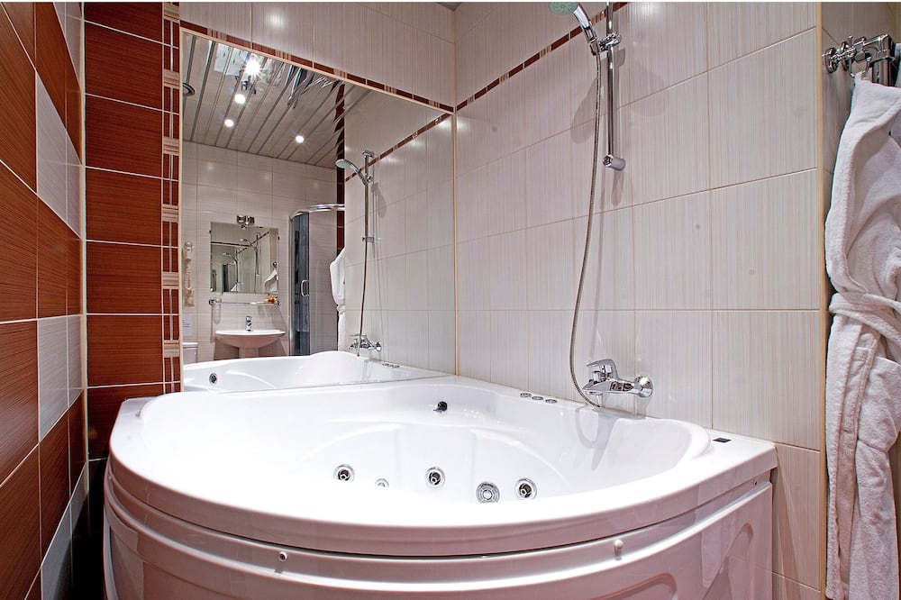 Номер-люкс категорії «Superior» - Ванна кімната