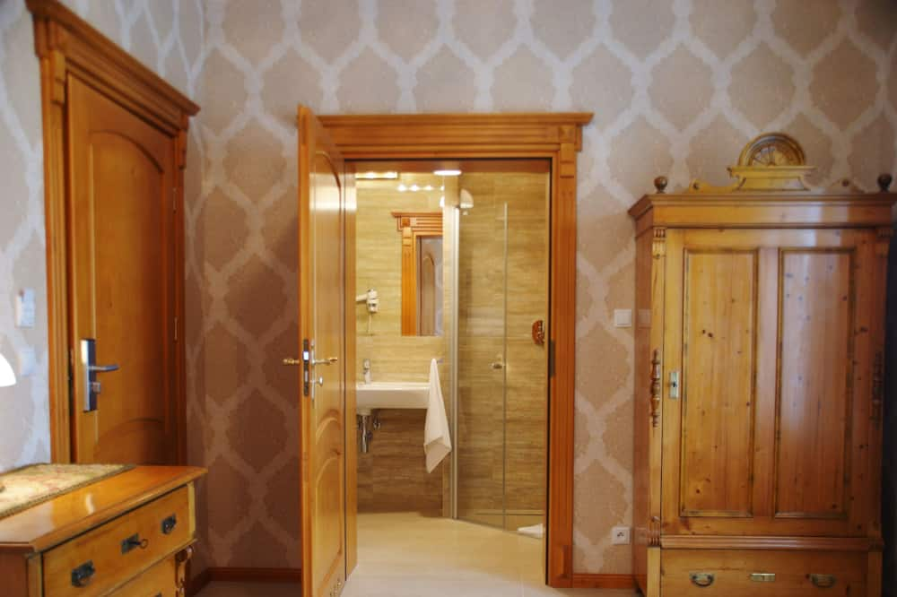 Family Διαμέρισμα, Πρόσβαση για Άτομα με Αναπηρία, Μπάνιο στο δωμάτιο - Περιοχή καθιστικού