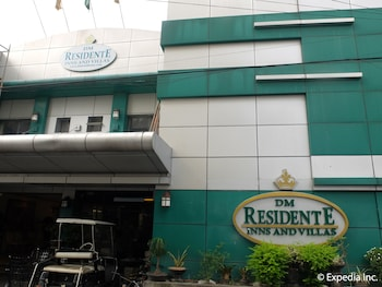 Picture of DM Residente Hotel in Angeles City