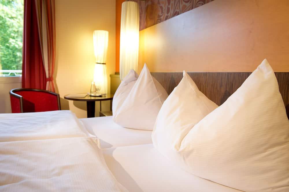 חדר קלאסי זוגי, חדר שינה אחד - חדר אורחים