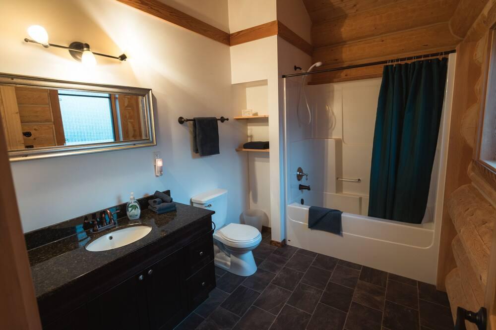 Chatka typu Deluxe, viacero postelí - Kúpeľňa