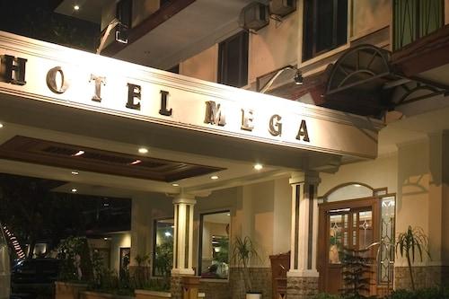 โรงแรมเมกา