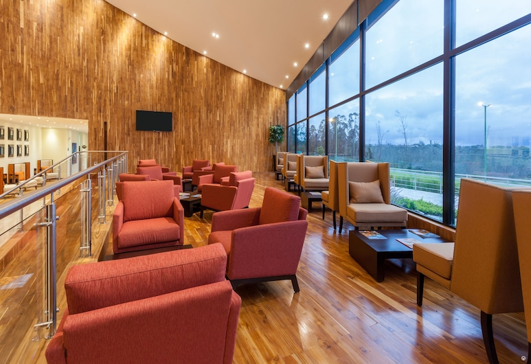 Wyndham Quito Airport, Tababela, Lobby Sitting Area