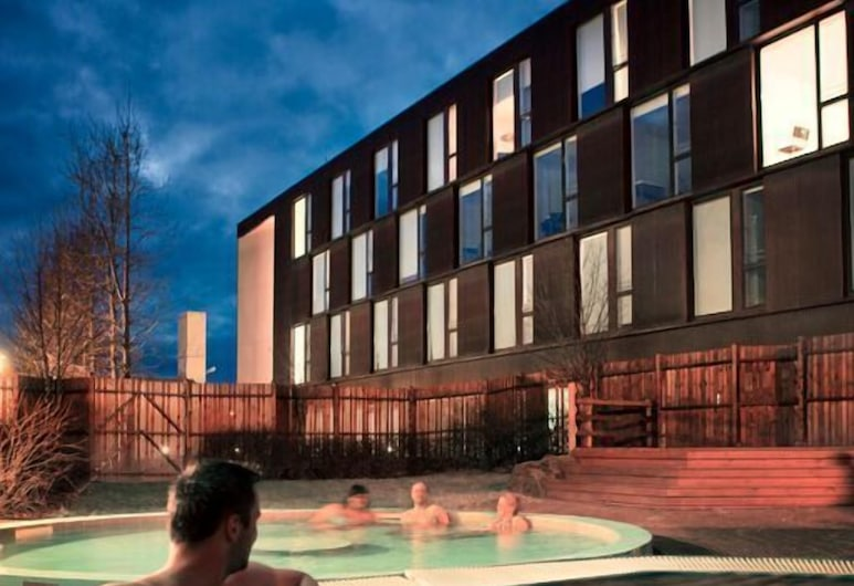 Hotel Bifrost, Borgarnes, Standard Triple Room, Mountain View, Outdoor Pool