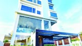 Choose This Mid-Range Hotel in Colombo