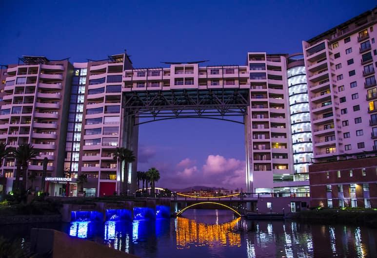 Knightsbridge Luxury Apartment, Cape Town