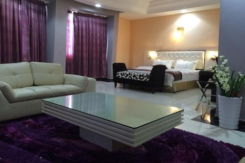 陽光海灘酒店/