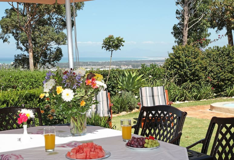 Somerset Sights Bed and Breakfast, Cape Town, Outdoor Dining