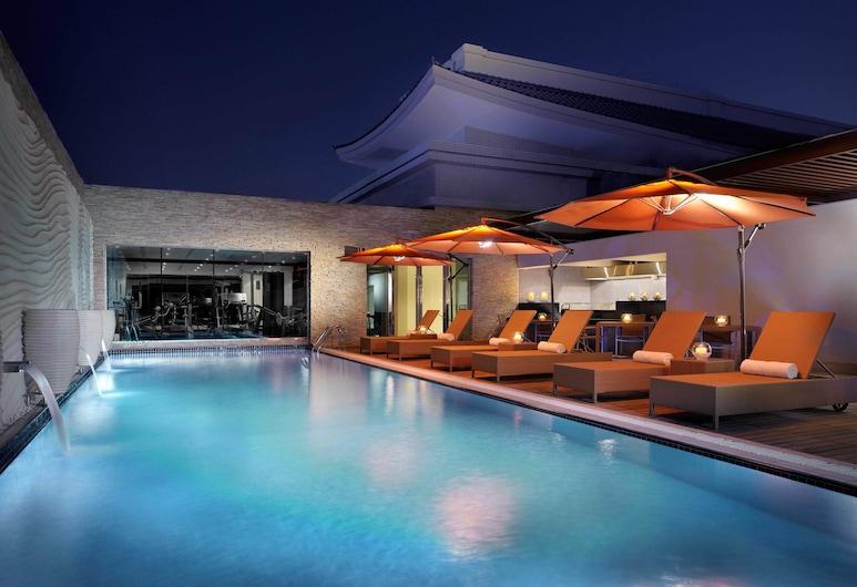 韓亞飯店, 杜拜, 頂樓游泳池