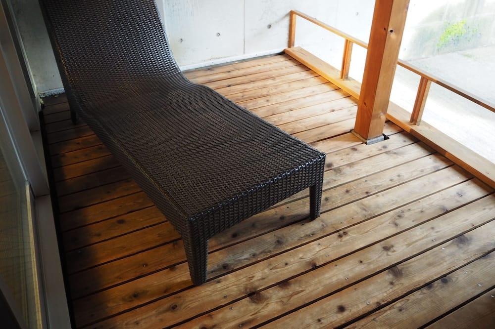 Deluxe-huone, Tupakointi kielletty (Japanese Room with Open Air Bath) - Parveke