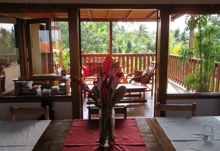 Sweet Guest House, Sao Tome Island, Living Area