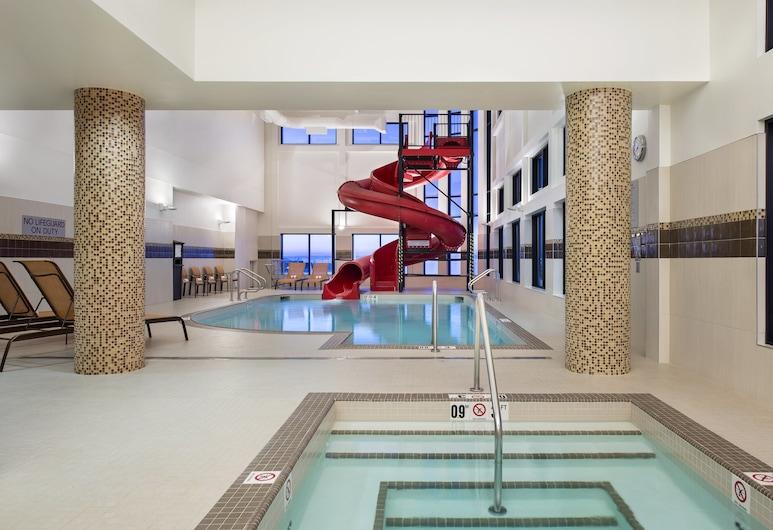 Residence Inn by Marriott Calgary South, Калгари, Бассейн
