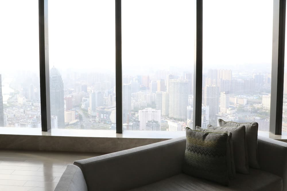 Suite (Diplomat) - Guest Room View