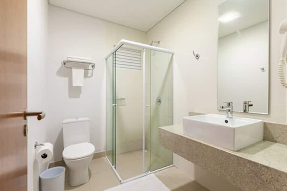 חדר דה-לוקס טווין, 2 מיטות יחיד - חדר רחצה