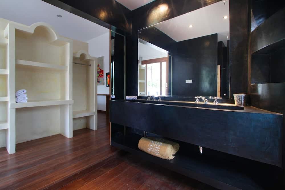 Grand Deluxe Room with Terrace - Cuarto de baño