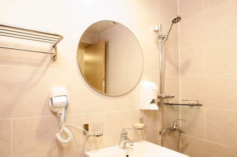 Twin Room (한국인 투숙 불가) - Bathroom