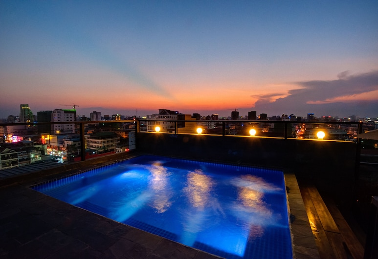 Balconitel Boutique Hotel, Phnom Penh, Zwembad op dak
