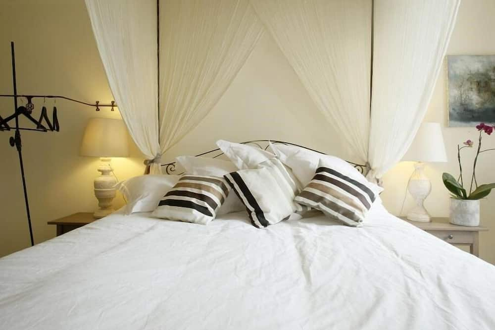 Double Room, Private Bathroom, Pool View (CHAMBRE BALDAQUIN) - Guest Room