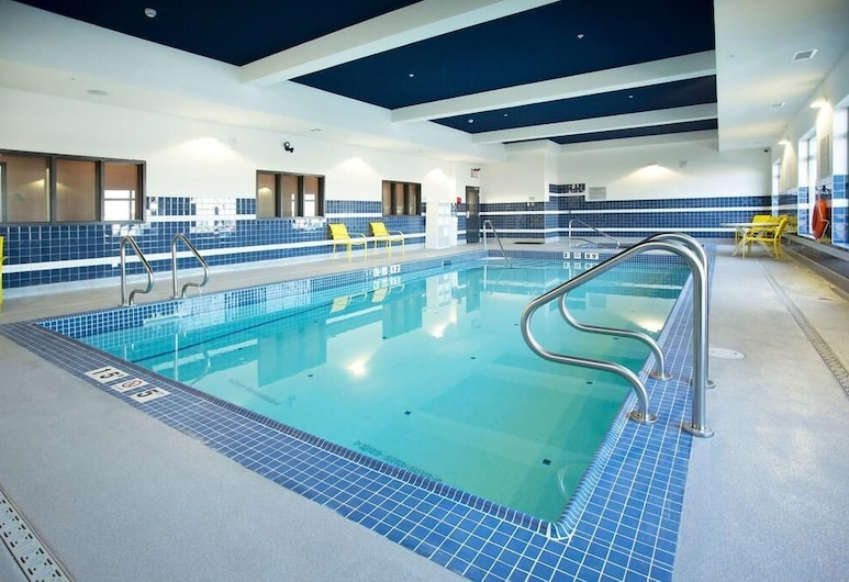 Wingate By Wyndham Calgary Airport, Calgary, Pool