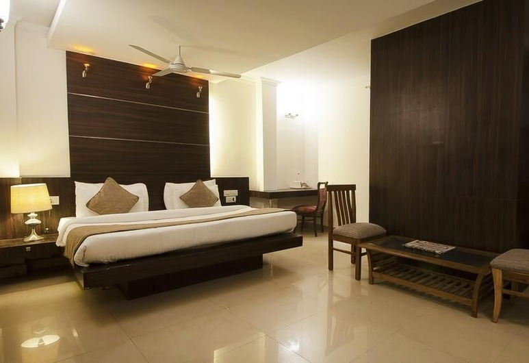 Airport Hotel De Aura, New Delhi, Executive Room, 1 Double Bed, Non Smoking, City View, Guest Room