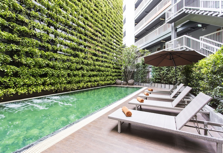 X2 Vibe Chiang Mai Decem Hotel, Chiang Mai, Pool
