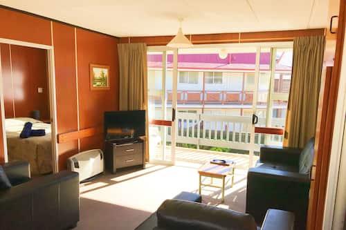 Berland Motel In Dunedin Hotels, Living Room Dunedin