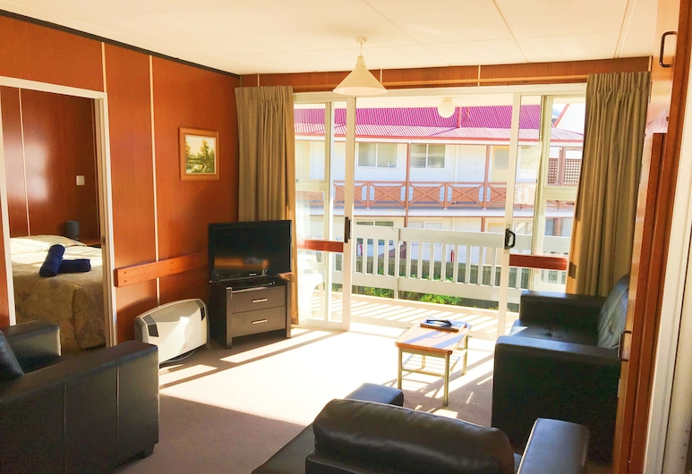 Cumberland Motel, Dunedin, Standard 2-bedroom Apartment, Living Room