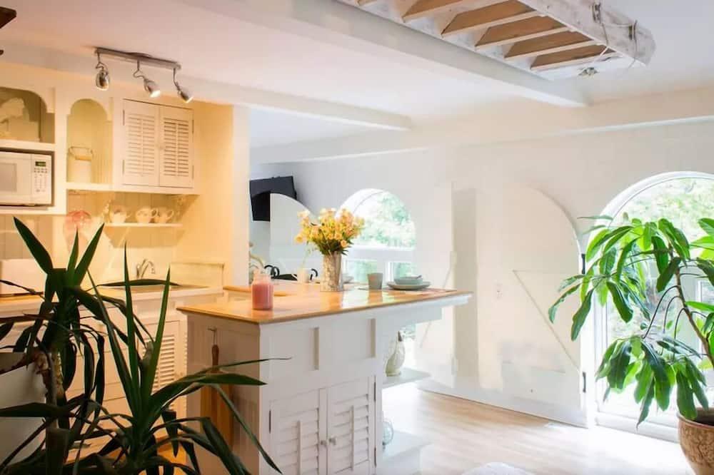 York Redoubt Suite, Luxury Loft, Park View - Living Area