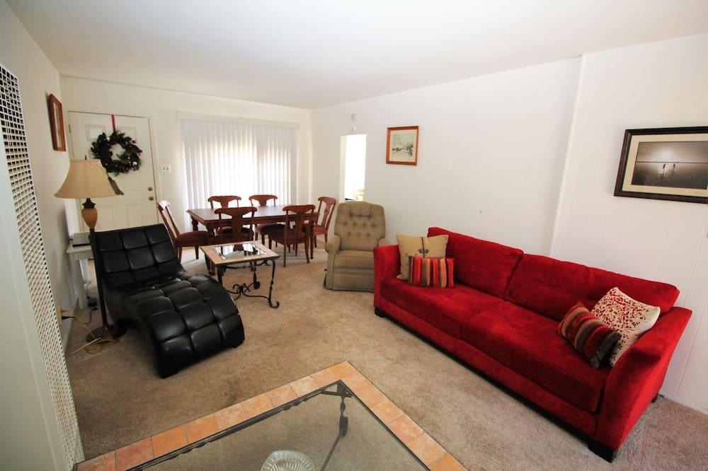 Стандартный коттедж, 2 спальни, кухня - Зона гостиной