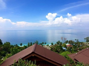Picture of Haad Yao Over Bay Resort in Koh Phangan
