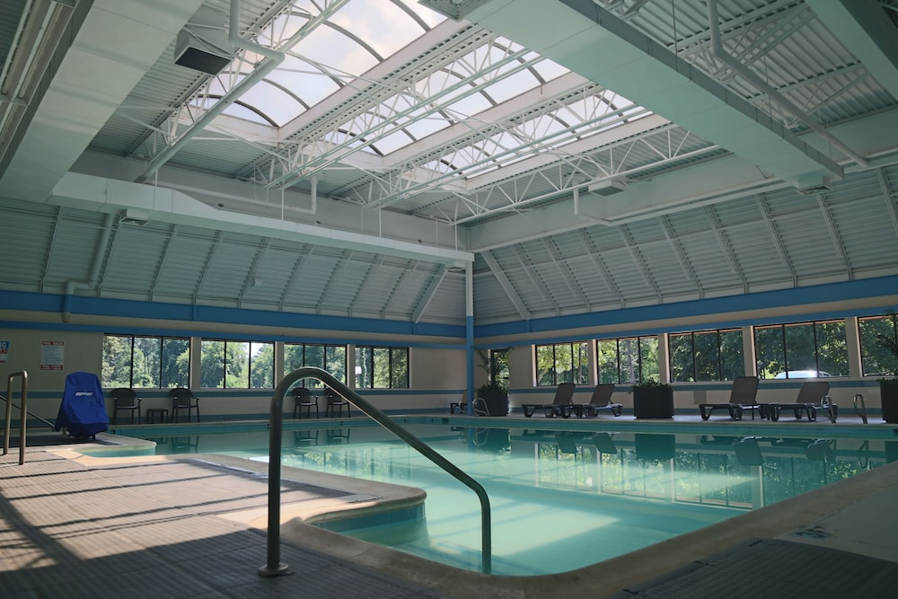 English Inn Of Charlottesville, Charlottesville, Indoor Pool