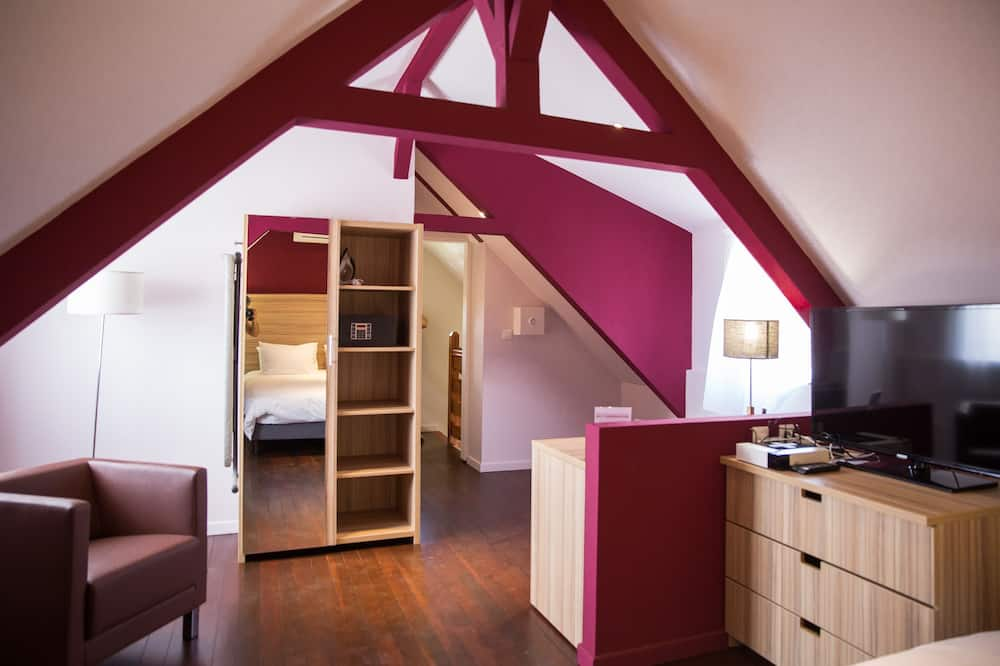 Tradicionális szoba, 1 king (extra méretű) franciaágy - Nappali rész
