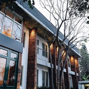 Picture of Oliver's Hostelry in Bandung