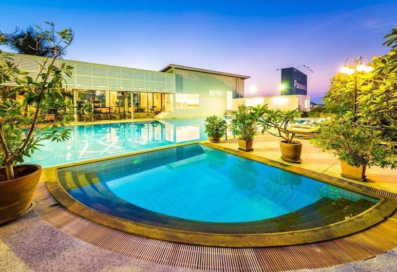 Laemtong Service Apartment, Si Racha, Outdoor Pool