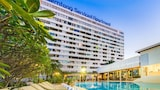 Choose this Apart-hotel in Si Racha - Online Room Reservations