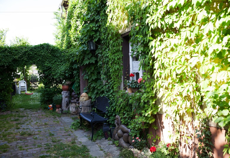 Pension Altstadt, Borna, Patio